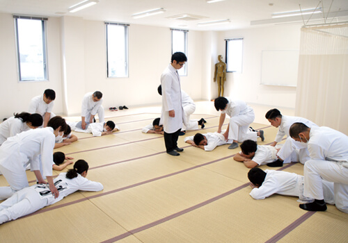 久木田学園鍼灸学校外観